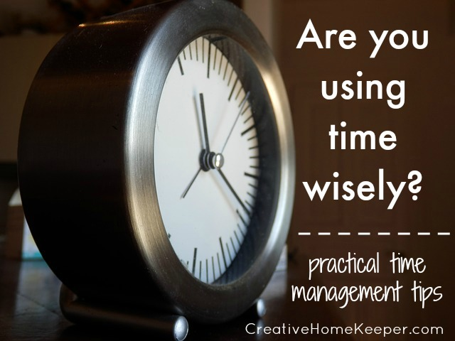 Are you using time wisely? Thoughts and tips about how to effectively manage your time and to create a time schedule based on simple routines that actually work!