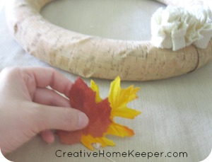 Add some festive fall decor to your home with these easy DIY Fall Wreaths. Simple enough for the non-crafty yet adds beautiful accents to your home this fall. | CreativeHomeKeeper.com