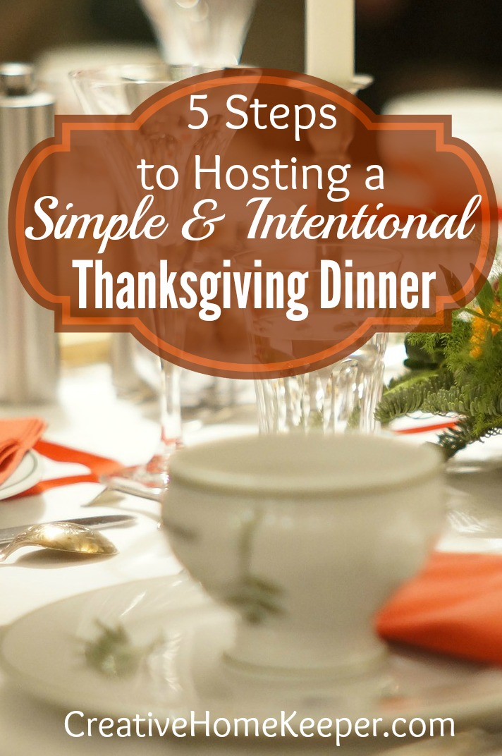 Hosting Thanksgiving this year? It doesn't have to be stressful, in fact with a little planning and prep, your Thanksgiving celebration can be effortless and stress free!