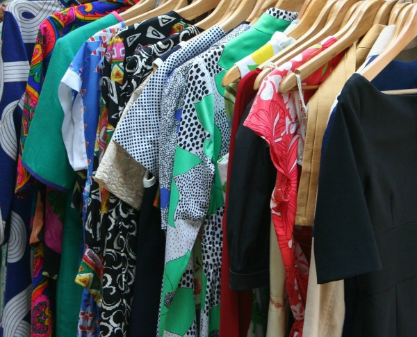 Organizing Your Wardrobe :: The 52-Week Home Project {Creating a Haven at Home | CreativeHomeKeeper.com