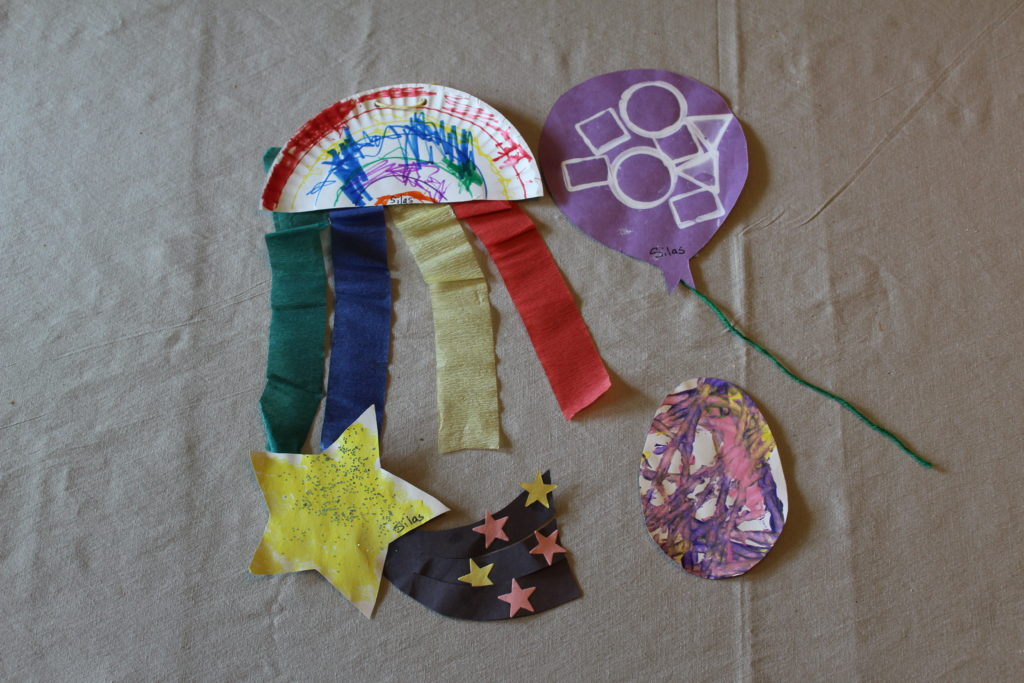 As the school year is winding down and coming to a close, now is the perfect time to organize, sort through and purge all those school keepsakes, papers, and art projects your child made or brought home this year.