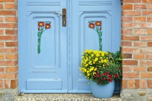 What is a creative home keeper?