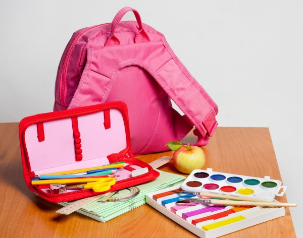 After a long and lazy summer, are you ready to get into a back-to-school routine? Getting back to it can be hard but with these 6 simple tips to help you ease back into a routine that works for you, your family will start the new school year on the right foot!