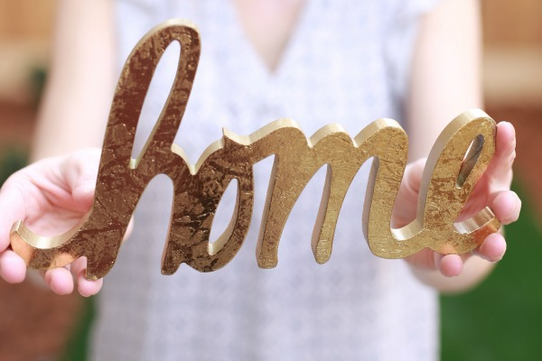 Be honest, sometimes homemaking isn't always fun but sometimes we need to change our perspective a bit. These simple tips can really transform our hearts to find joy in our homemaking which in return will bring glory to God as you manage your home!